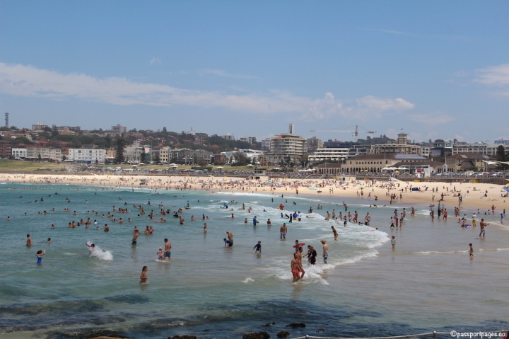 Bondi-Beach-Sydney-crowded-travel-blog-passportpages