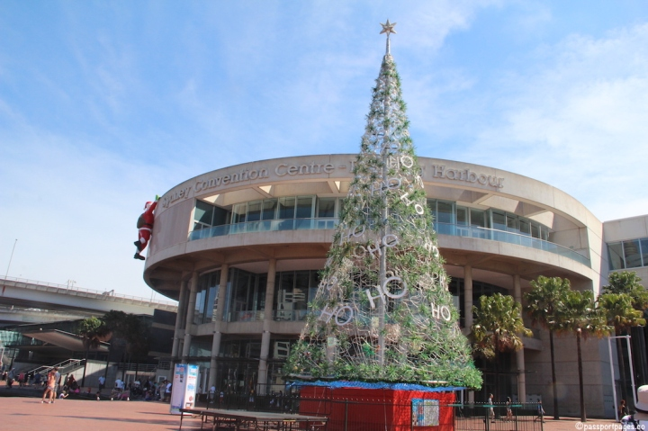 Christmas-tree-Darling-Harbour-Sydney-Australia-travel-blog