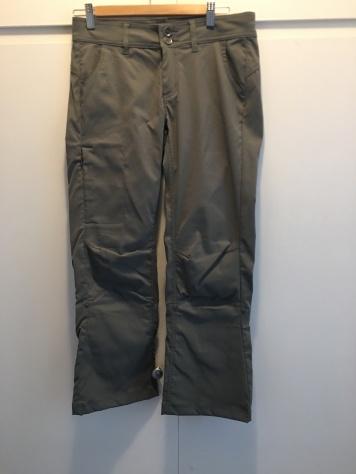 Prana Halle Pants in Green Jasper Size: 2 Short