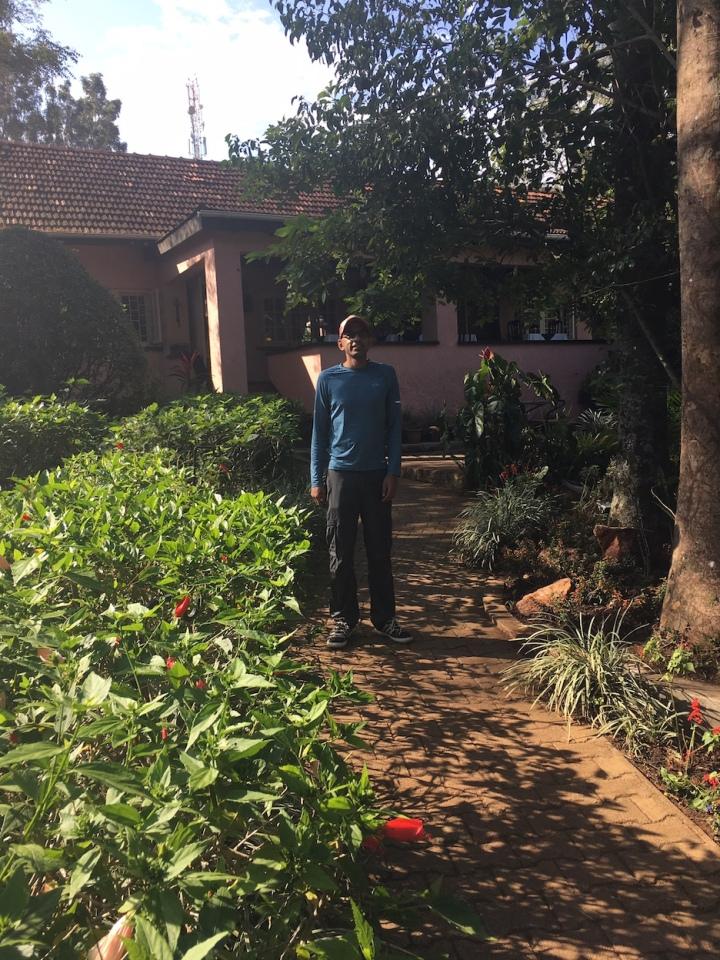 Boma-Uganda-Entebbe-Airport-Hotel-Africa-solar-garden