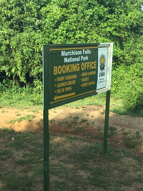 Aerolink-flight-plane-Uganda-domestic-charter-Murchison-Falls-sign