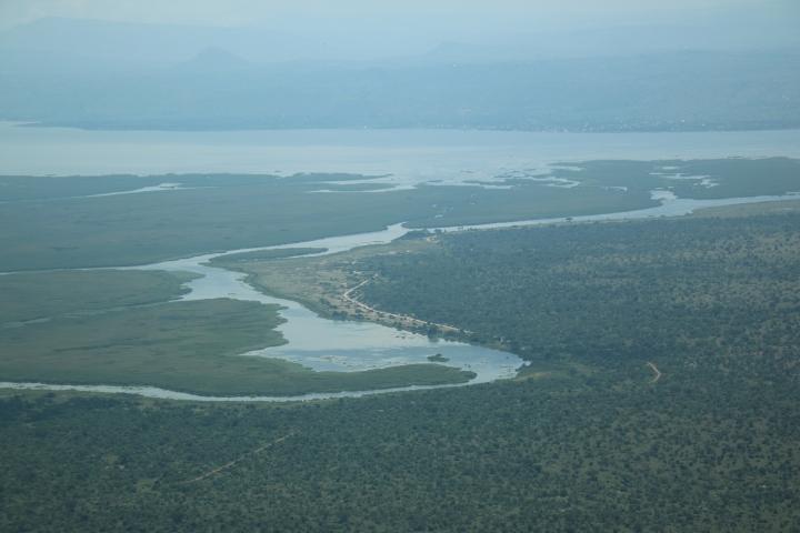 Uganda-safari-Aerolink-flight-plane-view-river